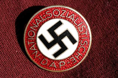 Click image for larger version.  Name:NSDAP pins 116.jpg Views:224 Size:271.8 KB ID:324403