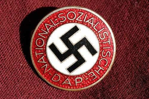 Click image for larger version.  Name:NSDAP pins 118.jpg Views:171 Size:277.7 KB ID:324405