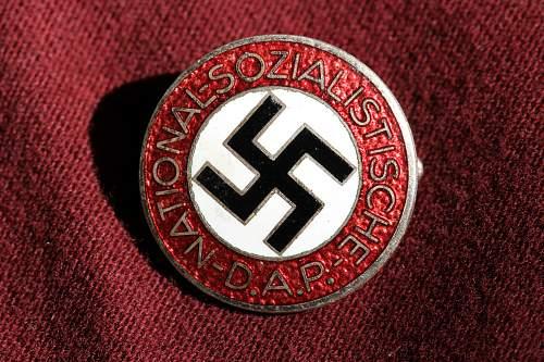 Click image for larger version.  Name:NSDAP pins 052.jpg Views:148 Size:276.3 KB ID:324490