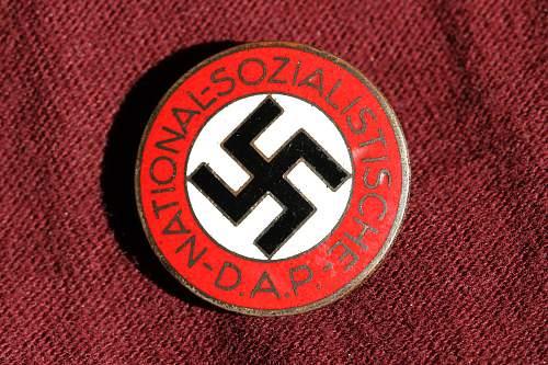 Click image for larger version.  Name:NSDAP pins 073.jpg Views:132 Size:275.1 KB ID:324692