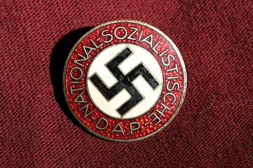 Click image for larger version.  Name:NSDAP pins 042.jpg Views:124 Size:280.1 KB ID:324847
