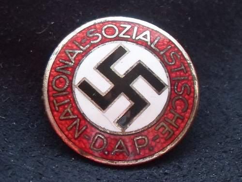 Click image for larger version.  Name:NSDAP_badge1.jpg Views:114 Size:88.2 KB ID:325080