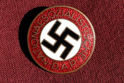 Click image for larger version.  Name:NSDAP pins 035.jpg Views:124 Size:275.0 KB ID:327394