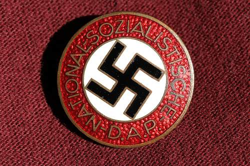 Click image for larger version.  Name:NSDAP pins 036.jpg Views:118 Size:278.0 KB ID:327395