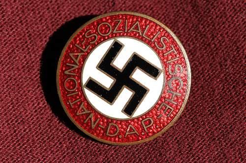 Click image for larger version.  Name:NSDAP pins 036.jpg Views:115 Size:278.0 KB ID:327395