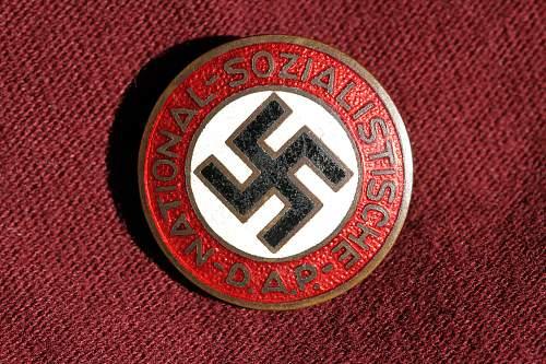Click image for larger version.  Name:NSDAP pins 066.jpg Views:249 Size:278.4 KB ID:330965