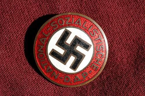 Click image for larger version.  Name:NSDAP pins 063.jpg Views:91 Size:274.6 KB ID:330968