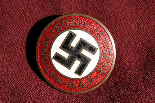 Click image for larger version.  Name:NSDAP pins 063 A.jpg Views:111 Size:274.3 KB ID:330969