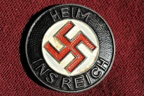 Click image for larger version.  Name:NSDAP pins 109.jpg Views:101 Size:279.6 KB ID:342457
