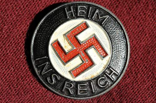 Click image for larger version.  Name:NSDAP pins 106.jpg Views:204 Size:282.6 KB ID:342458