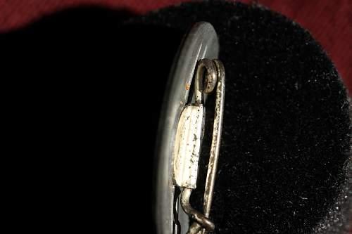 Click image for larger version.  Name:NSDAP pins 114.jpg Views:105 Size:220.5 KB ID:342460