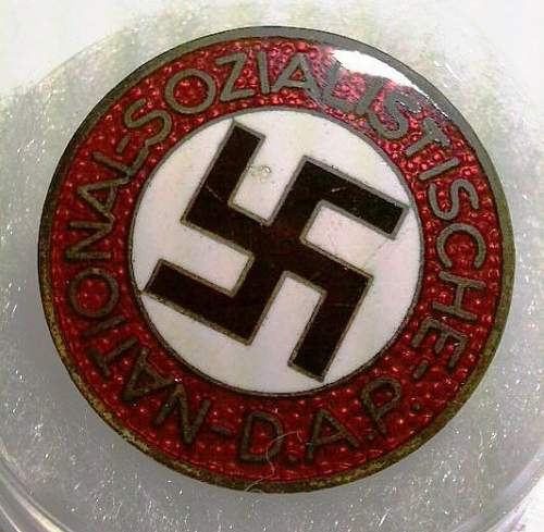 Click image for larger version.  Name:37) NSDAP Party Badge - M1-77 Foerster & Barth, Pforzheim.jpg Views:140 Size:65.4 KB ID:344924