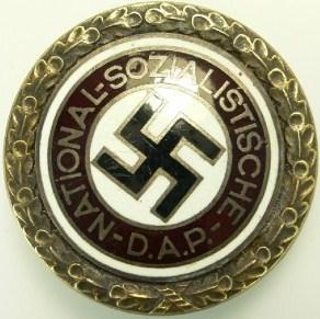 Name:  NSDAP Large pin front.jpg Views: 361 Size:  43.9 KB