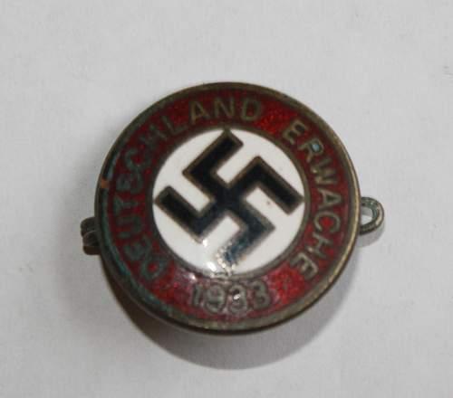 Deutschland Erwache badge, fake?
