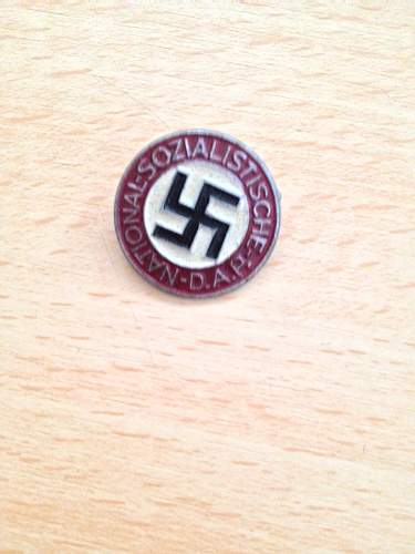 Click image for larger version.  Name:nsdap late war party badge front.jpg Views:64 Size:321.0 KB ID:659331
