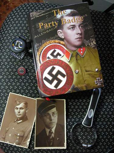 How were the NSDAP party badges manufactured?