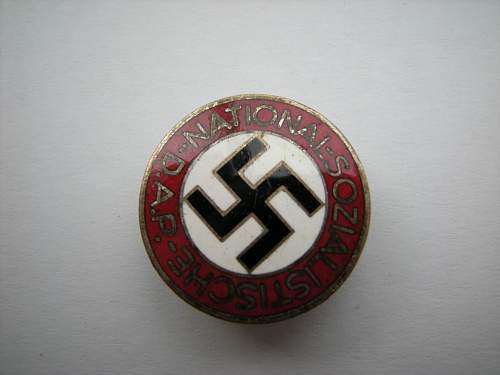 Click image for larger version.  Name:NSDAP party badge M1,14.jpg Views:34 Size:302.4 KB ID:683952