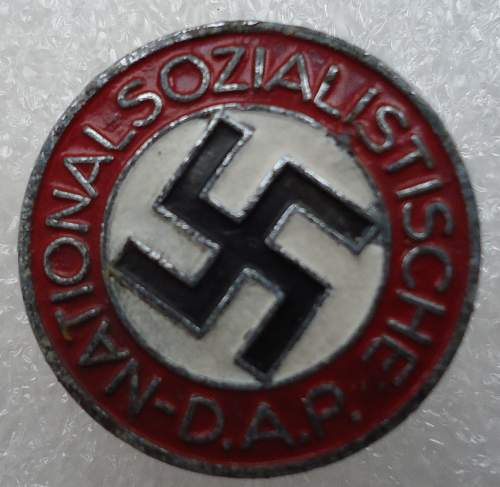 Zinc NSDAP Parteiabzeichen with a story M1/4?