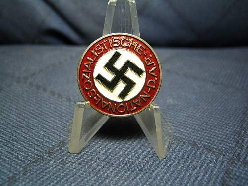 Two Party badges found on flea market . Any red flags  ?