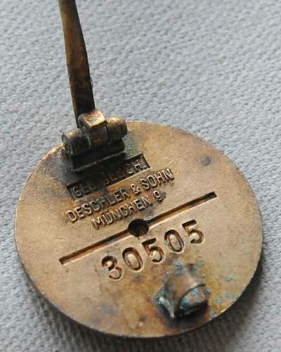 Click image for larger version.  Name:NSDAP Honor Membership Badge back 1.jpg Views:6 Size:213.5 KB ID:943196