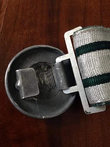 PLEASE HELP !! Wh officer brocade belt.