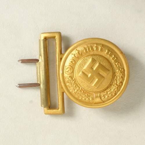 Click image for larger version.  Name:German Police Officers belt buckle 060313 01.JPG Views:109 Size:91.5 KB ID:490768