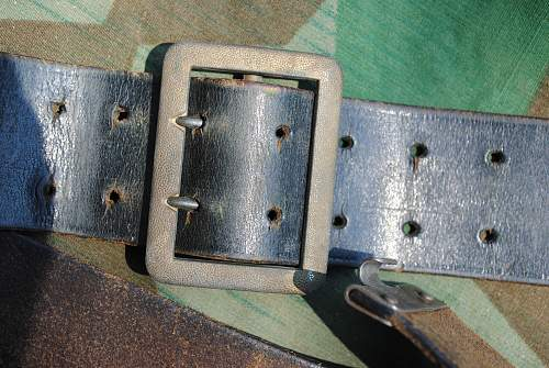 German Officers Open Claw Belt