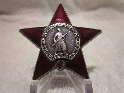 Red Star No.4 #1330150 + Bravery medal and Booklet (Researched)