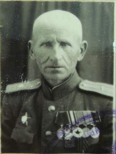 Click image for larger version.  Name:Major Kuzma Avraamovich Zhivotchenko.jpg Views:3906 Size:178.6 KB ID:449612
