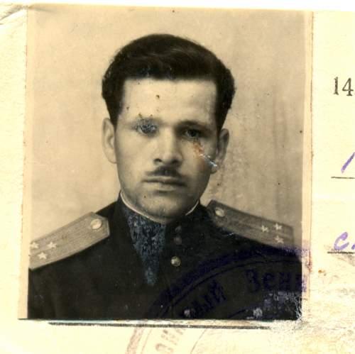 Click image for larger version.  Name:Guards Lieutenant Grigory Kharitonovich Malyarenko.jpg Views:97 Size:195.7 KB ID:486047