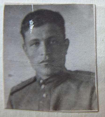 Click image for larger version.  Name:Lieutenant Evgenii Pavlovich Artemov.jpg Views:29 Size:127.2 KB ID:523982