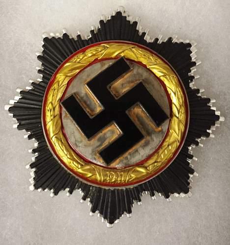 Deutsches Kreuz in gold at auction