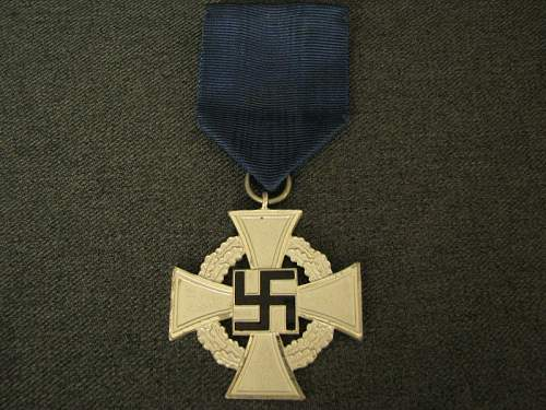 25 Year Faithful Service Medal (Silver) and Black Wound Badge: Authentic pieces?