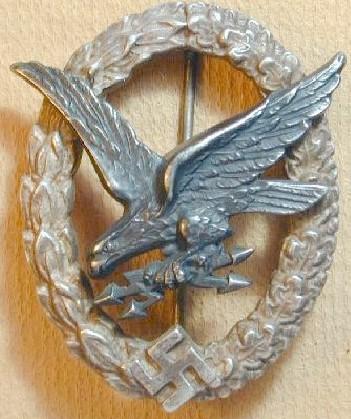 Radio Operator - Air Gunner Badge Fake Gallery: