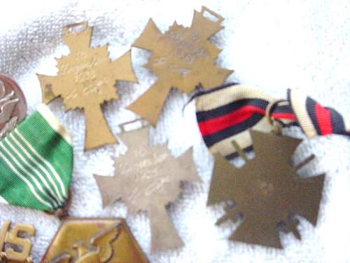 Click image for larger version.  Name:german medals 060.JPG Views:46 Size:164.7 KB ID:106260