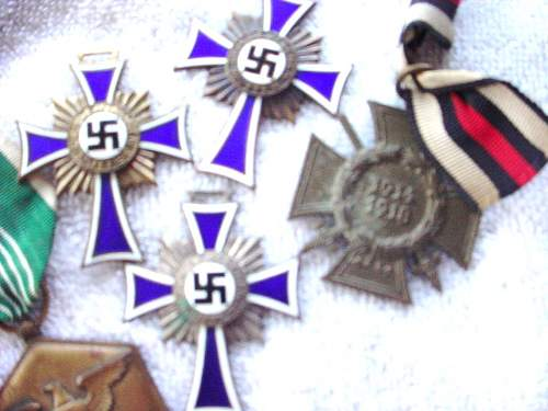 Click image for larger version.  Name:german medals 062.JPG Views:46 Size:165.9 KB ID:106261