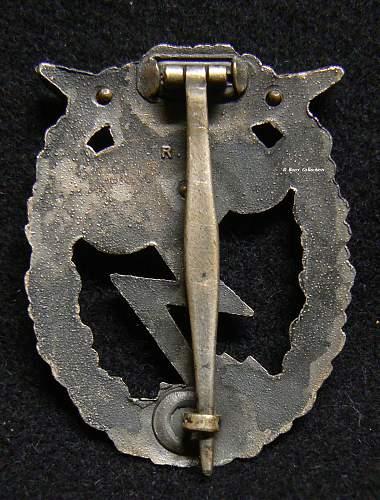 Erdkampfabzeichen der Luftwaffe, RK, Attributed to Rudolph Karneth.