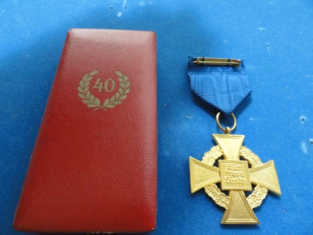 "40 Year Government Gilt Service Cross - in orig box w/ ""40"" on it"