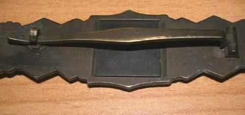 close combat clasp original?