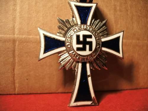 """I have this """"Ehrenkreuz der Deutschen Mutter"""", true or fake?"""