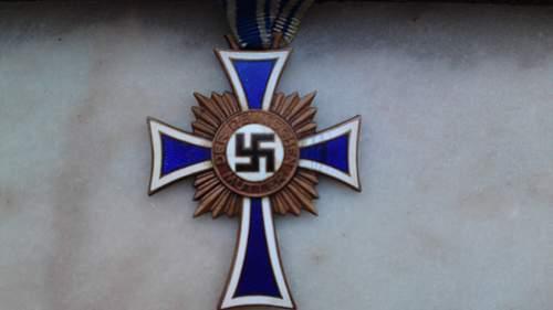 """New Arrival: Bronze """"Mutter Kreuz"""""""