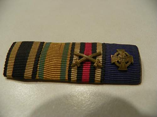 What does this ribbon bar have on it?