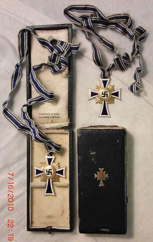 Mutterkreuz.
