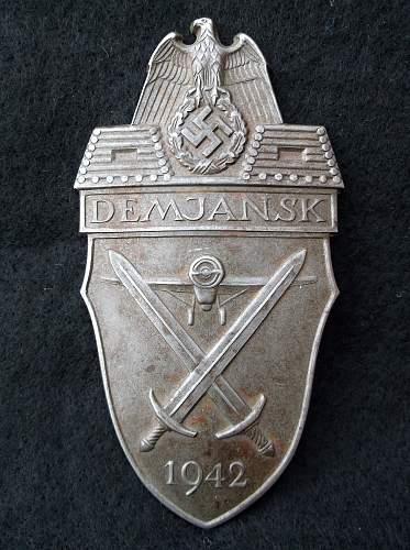 Demjansk Shield serif J