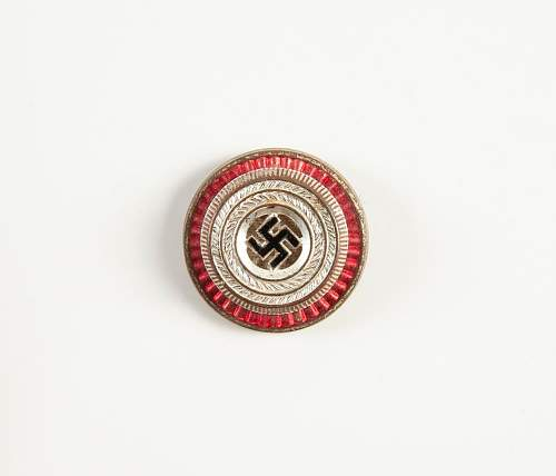 WWII German Badges, Medals, Pins, etc.. Names please