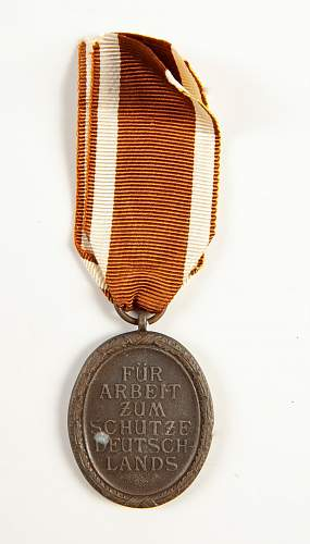 WWII German Badges, Medals, Pins, etc.. Names please