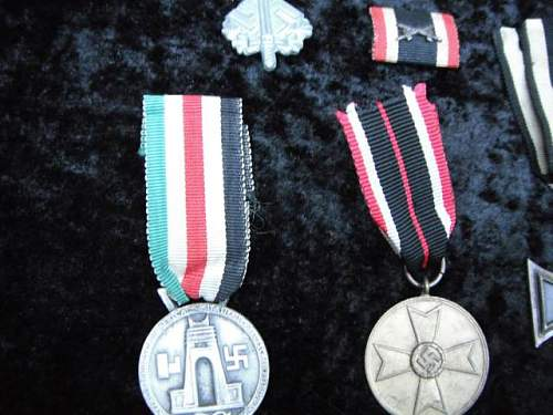 Lot of Assorted Medals: Authentic Pieces?