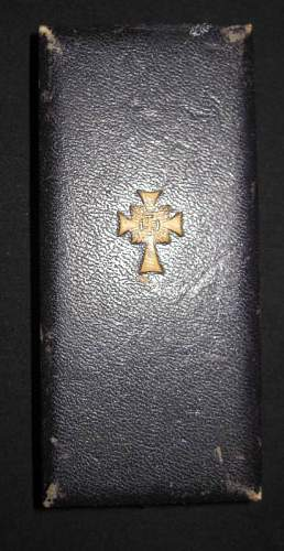 Boxed Mutter Kreuz in Gold w/Pin & Catch: Authentic Variant Piece?
