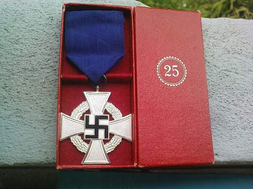 Click image for larger version.  Name:25 yr. Medal.JPG Views:221 Size:146.8 KB ID:129783