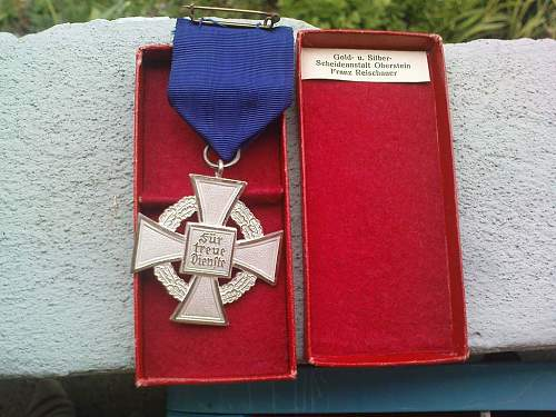 Click image for larger version.  Name:25 yr. Medal 2.JPG Views:224 Size:142.7 KB ID:129784